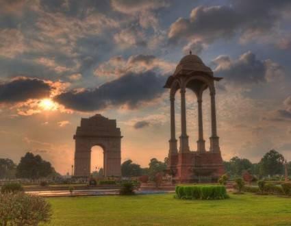 Viajes a la India - Que ver en la India - Delhi - Puerta de la india
