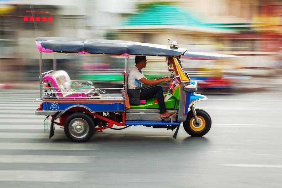 Tailandia de Norte a Sur - Tuk Tuk