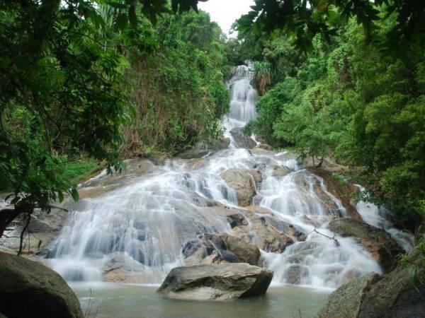 Viajes en familia a Tailandia - Cascadas