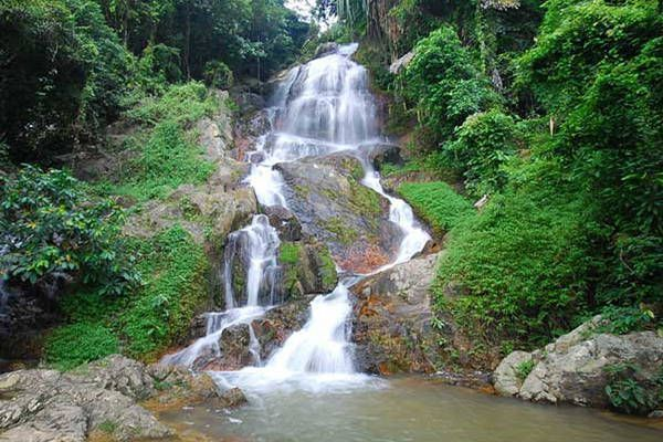 bañarse cascadas Na Muang