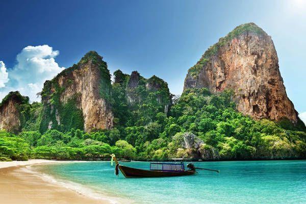 tomar sol en playa tailandia