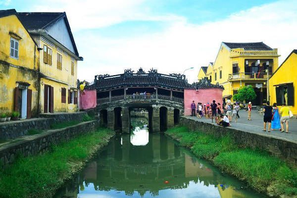 puente hoi an vietnam