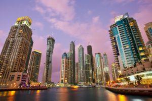 Dubái sigue sumando récords: inaugura el hotel más alto del mundo
