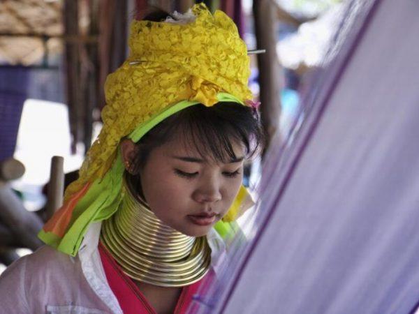 Viajes Tailandia chiang mai mujeres jirafa
