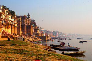 India_Varanasi_shutterstock_284492903_Chiaki Yokoyama_Shutterstock